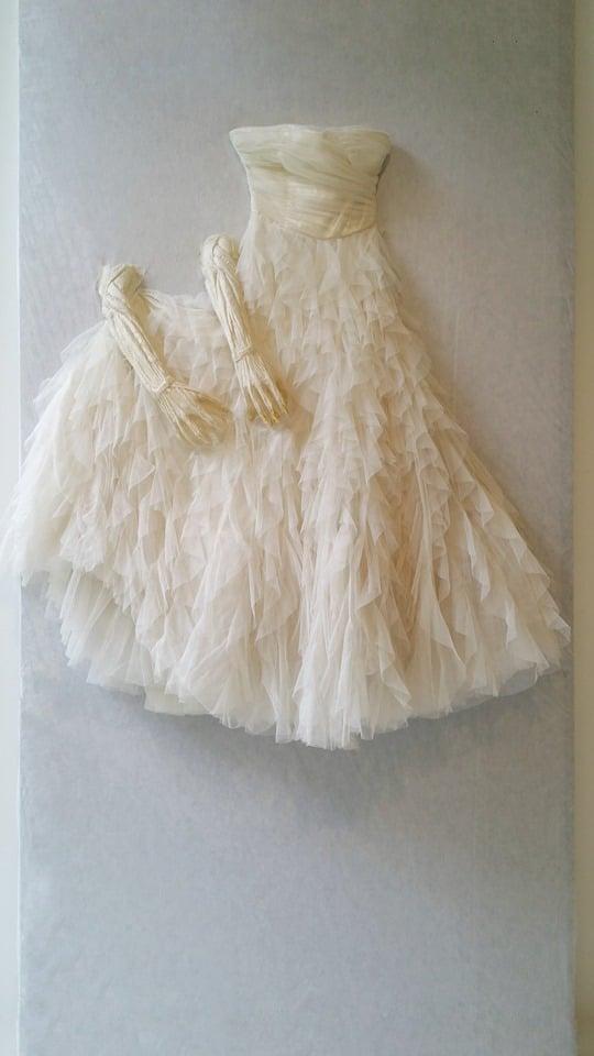 Qui-verra-Véra-l'aimera-2019-installation-robe-de-mariée-art-contemporain-Marie-Catherine Arrighi pour Véra de Villiers de L Isle-Adam